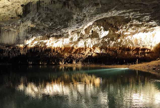 пещеры во франции