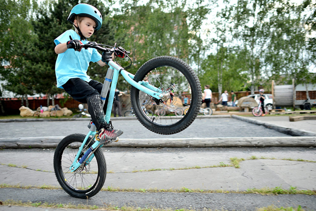 Boys_Bicycle_Helmet_492218-1024x683.jpg