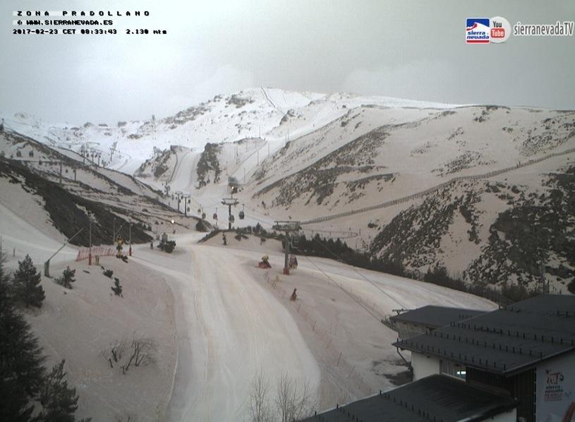 Снежные склоны Пиреней окрасились в бронзовый цвет