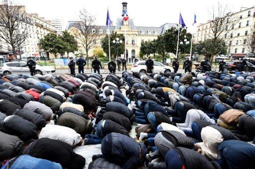 Новости Франции - Продолжается противостояние мэрии и мусульман Клиши