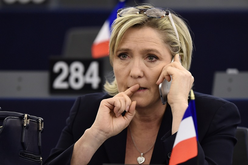 Европейский парламент лишил Марин Ле Пен депутатской неприкосновенности