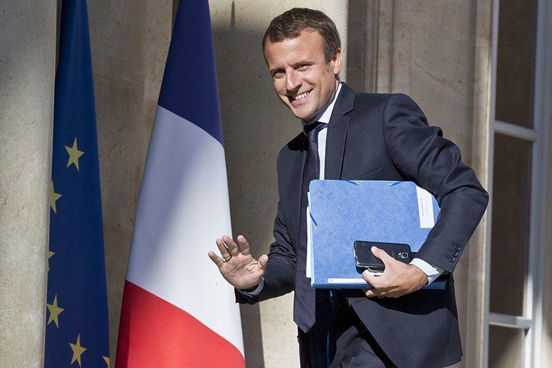 Бастующие во Франции требуют встречи с Макроном