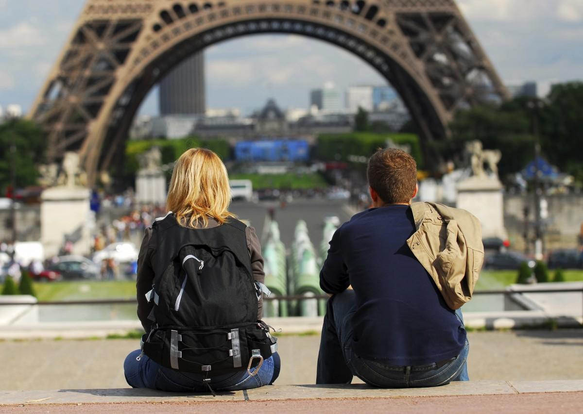 Турпоток в Париж из России и Японии значительно увеличился
