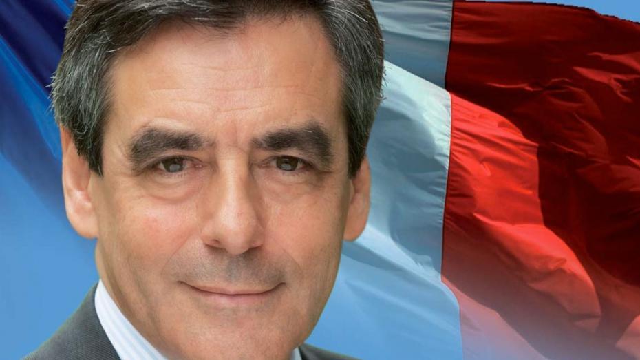 Кандидата впрезиденты Франции Фийона обсыпали мукой