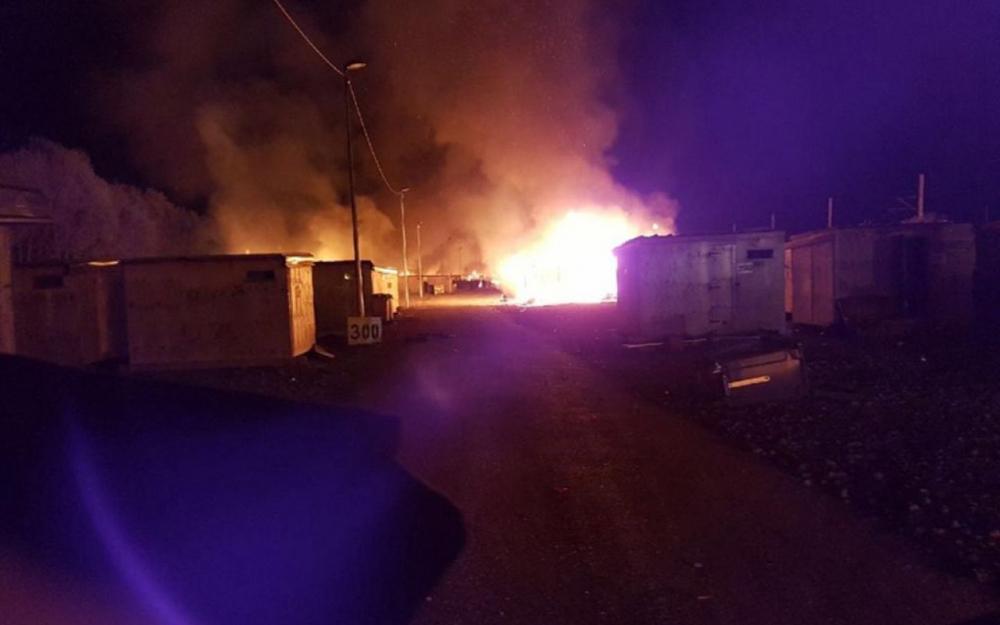 В лагере беженцев вспыхнули беспорядки, есть пострадавшие