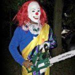 Во Франции разыскивают клоуна с бензопилой