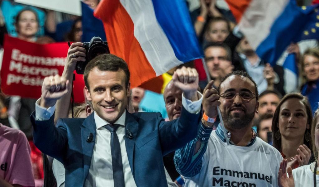 Макрон призвал ввести санкции против Польши