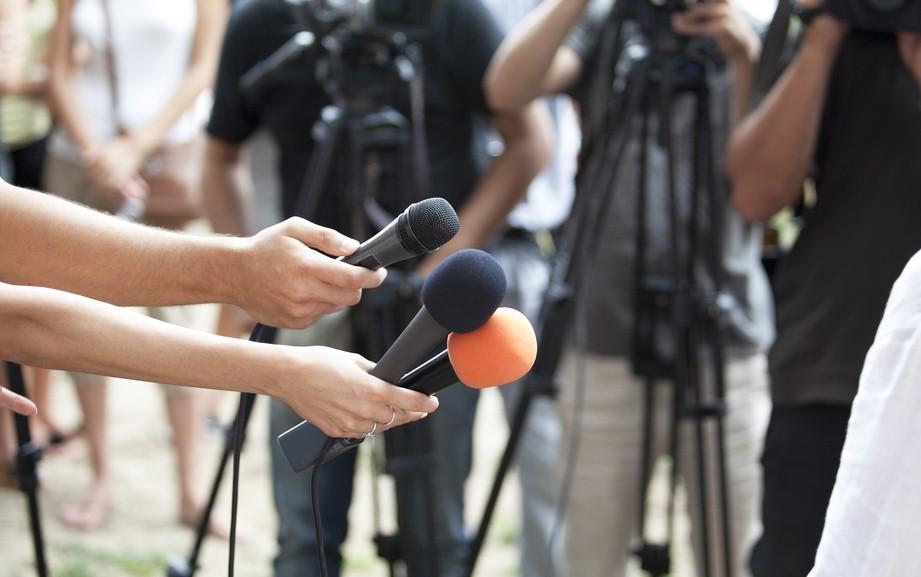 pr знакомство с журналистом