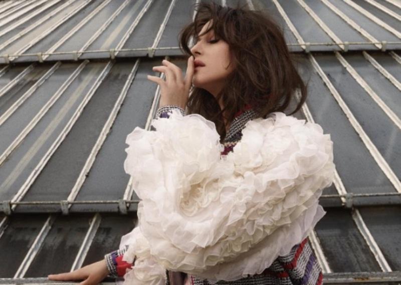 Моника Беллуччи в элегантных образах снялась в новейшей фотосессии