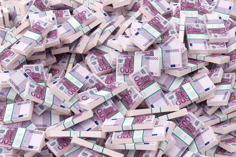 Новости Франнции - миллион евро в тайниках автомобиля