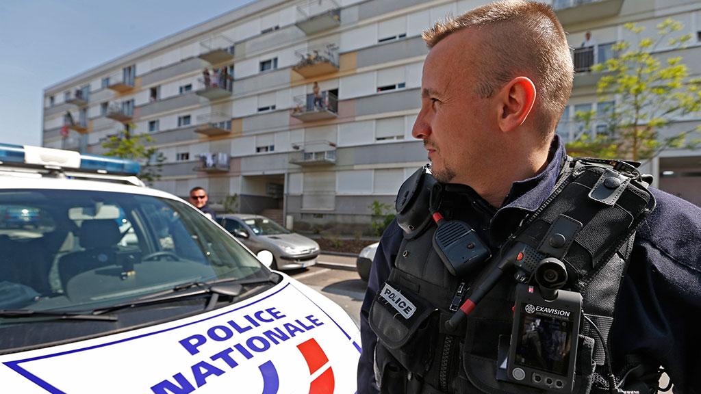 В Париже полицейские воскресили женщину