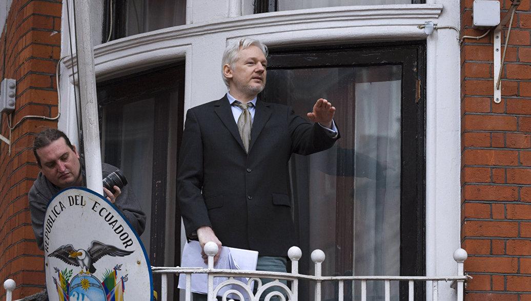 Адвокат уточнил о просьбе политубежища для основателя WikiLeaks