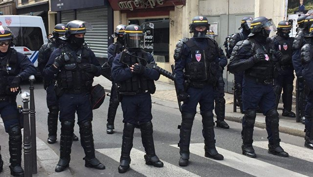 В Париже продолжаются манифестации