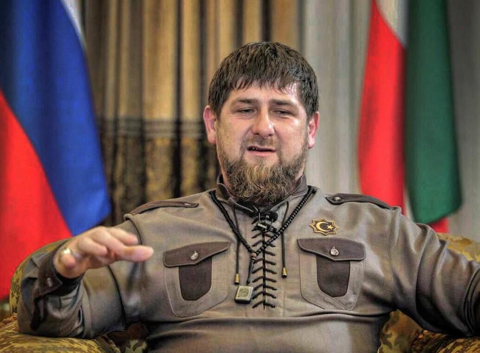 26560-6-ramzan_kadyrov_perenes_ru.jpg