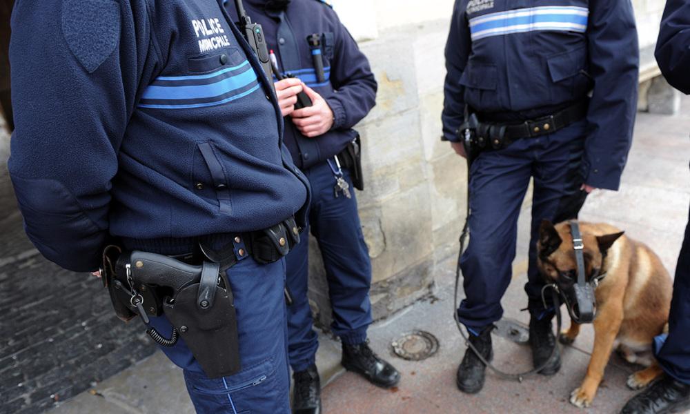 Полиция открыла огонь по мужчине вооружённому ножом