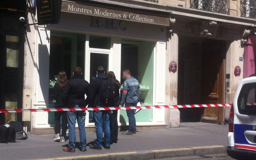 Неизвестные ограбили ювелирный магазин встолице франции