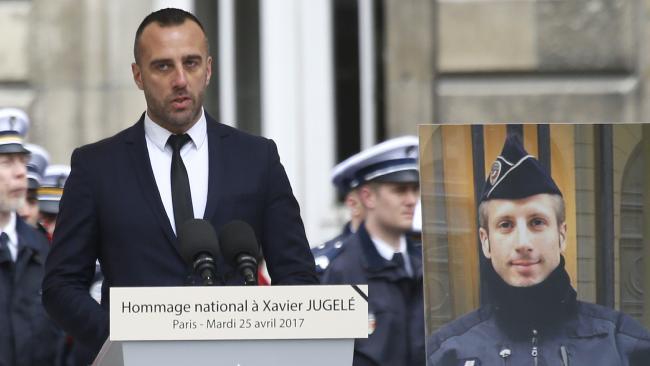 Француз заключил брак с убитым полицейским