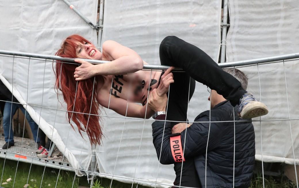 FEMEN провели акцию протеста