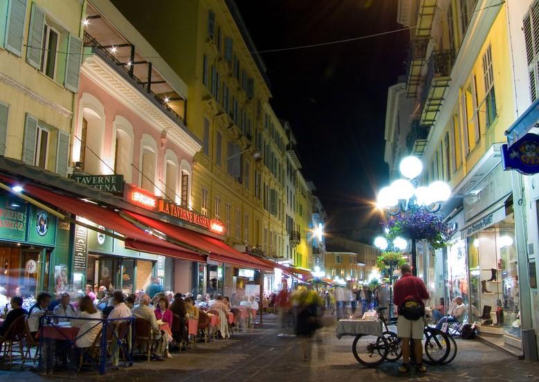 В Ницце запретят проезд грузовикам по пешеходным зонам