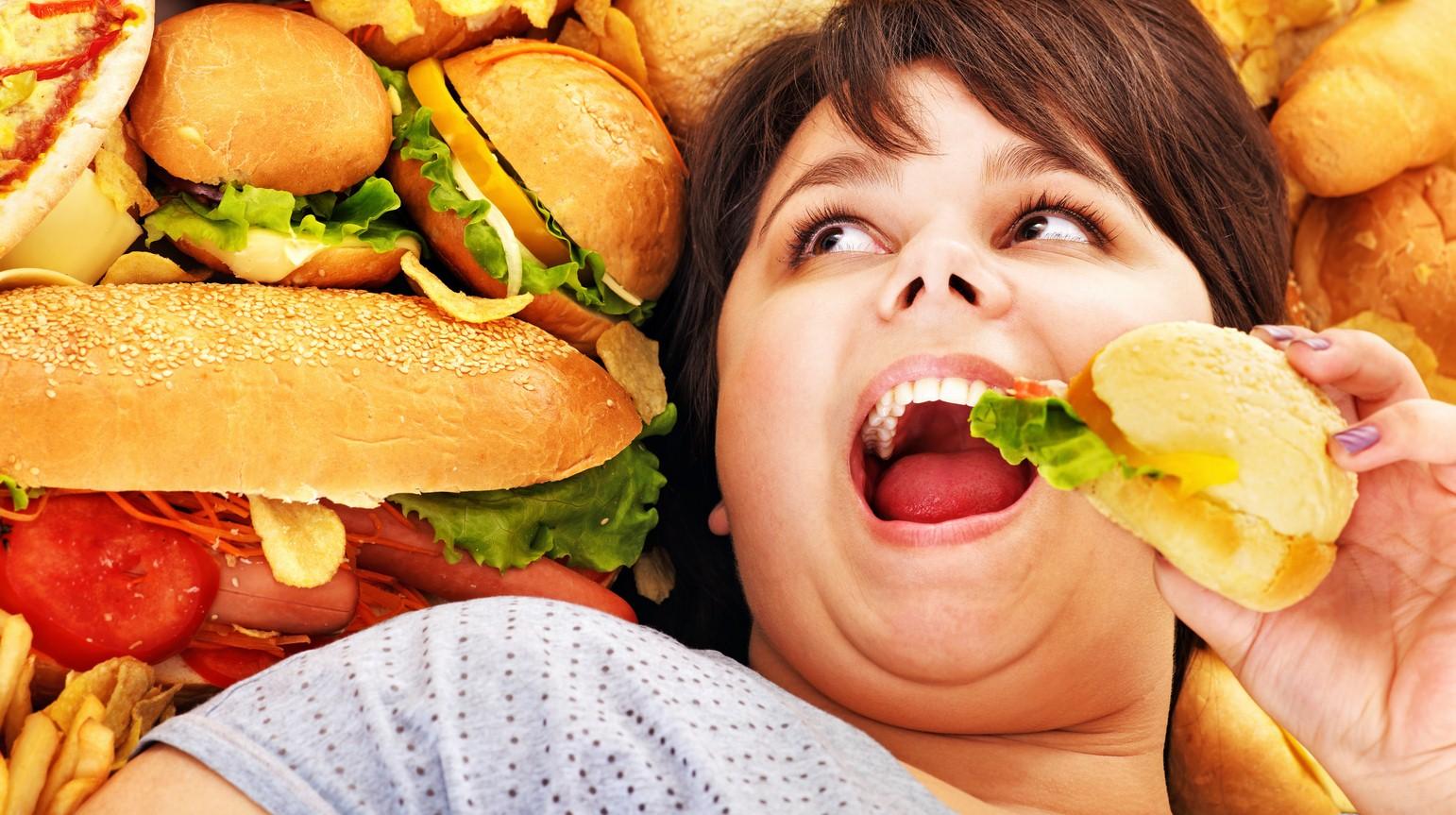 Употребление жирной пищи меняет работу мозга