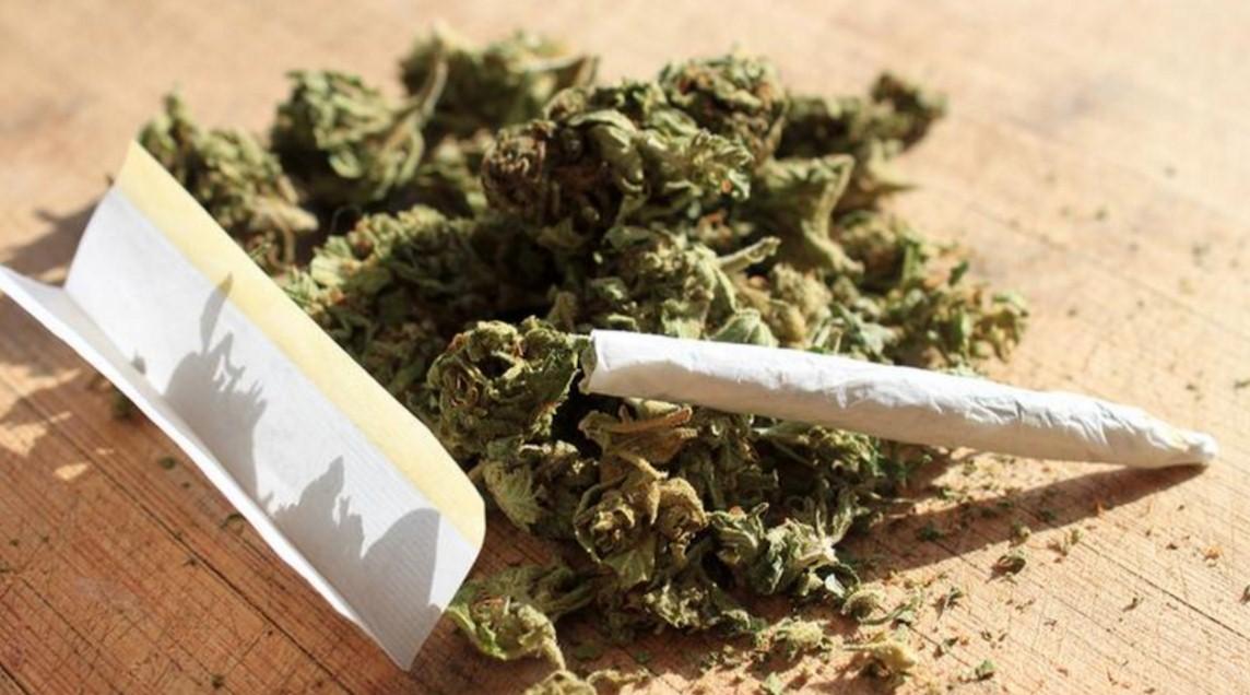 Во Франции за марихуану перестанут сажать в тюрьму