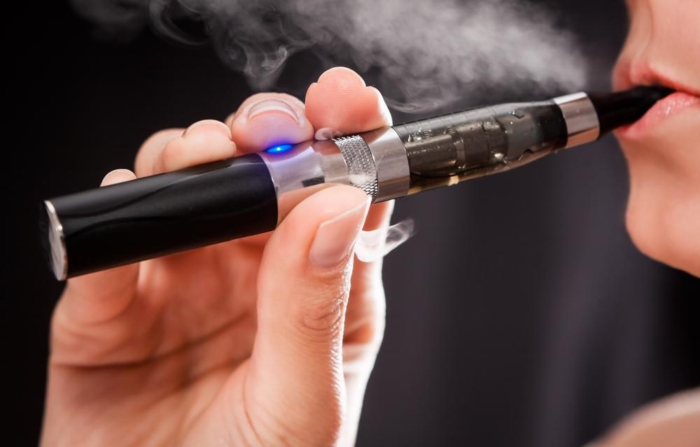 Во Франции запретят электронные сигареты
