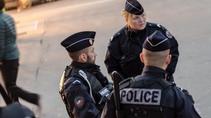 Во Франции задержали экстремиста рядом с военной частью