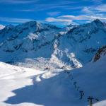 Трое горнолыжников погибло в лавине во французских Альпах