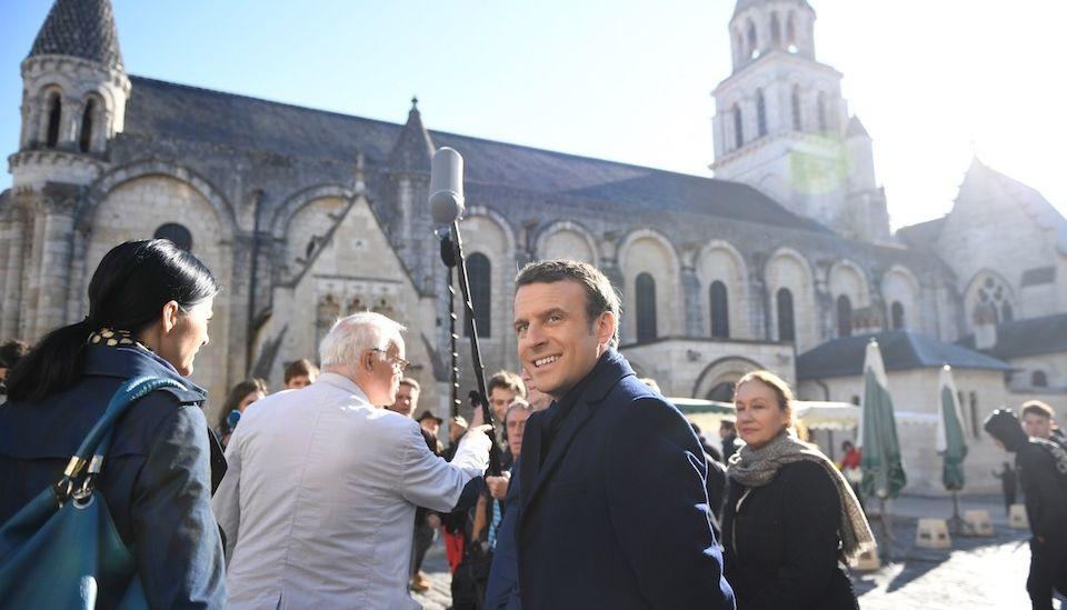 Кандидаты в президенты закончили кампанию визитом в кафедральные соборы Франции