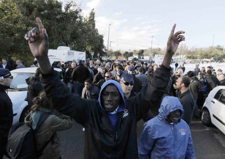 Полиция Италии не пропустила мигрантов во Францию