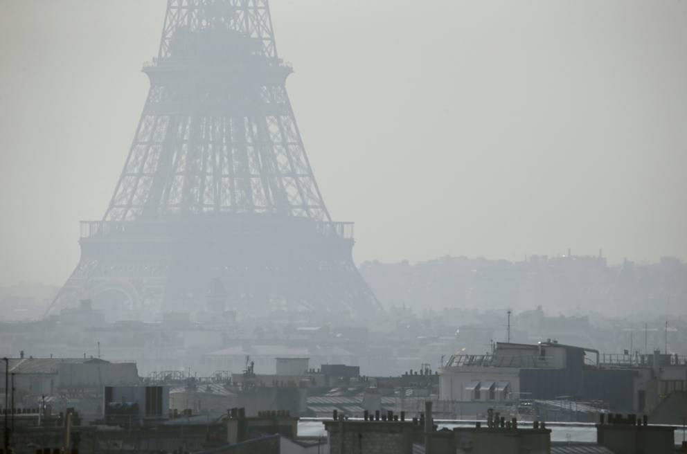 Парижанка обвинила власти страны в убийстве 48 тысяч человек