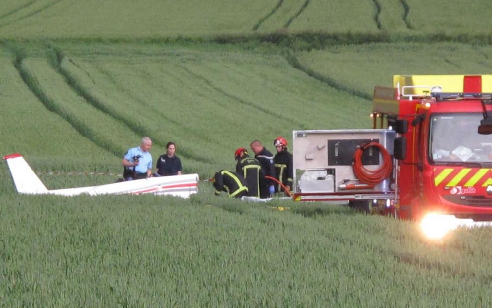 Во Франции погибло два человека при крушении самолёта