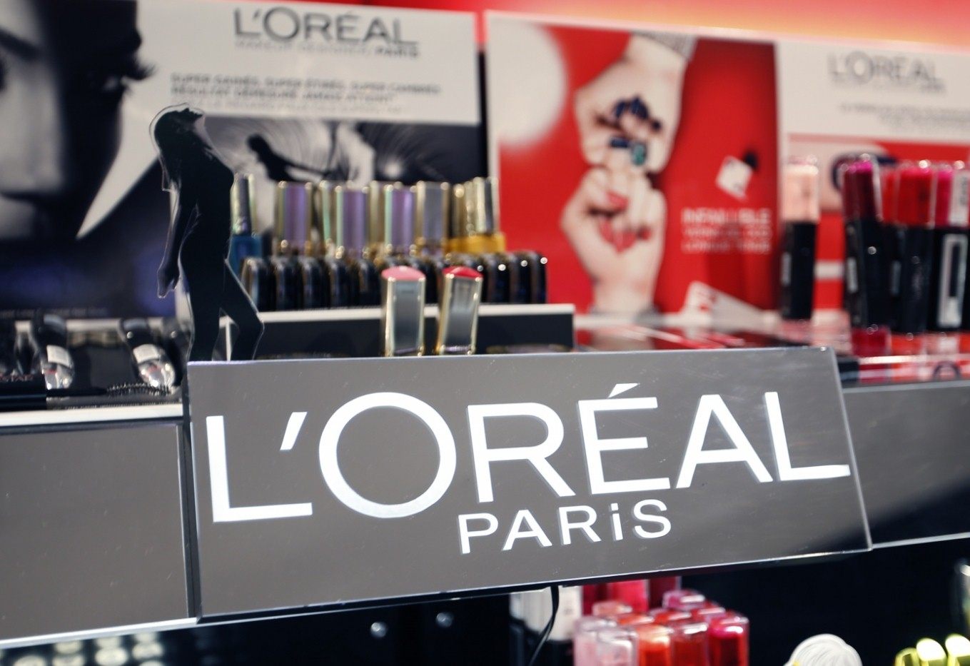 "l'oreal and the globalization of american L'oréal and the globalization of american beauty factor stated by an american l'oreal manager, is: ""is an organization's strategic guide to globalization."