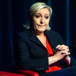 Ле Пен объясняет слабые результаты Народного Фронта низкой явкой избирателей.