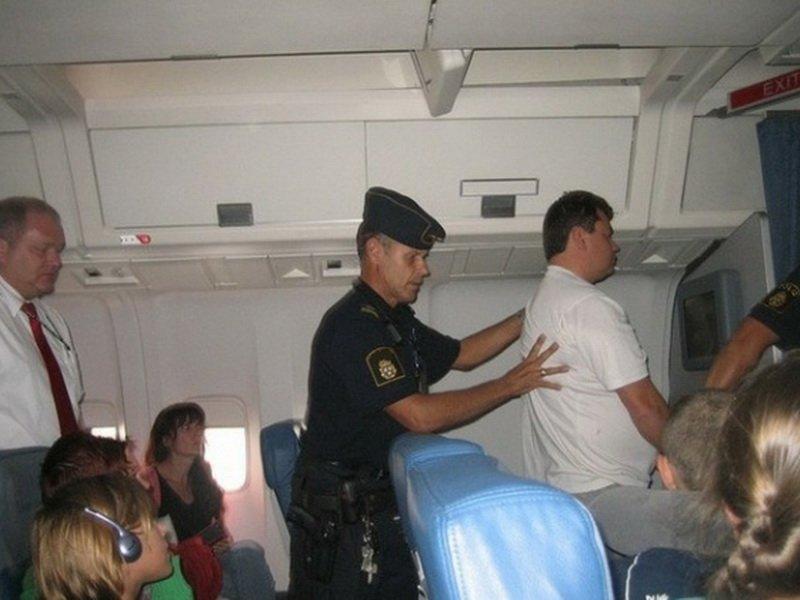 Во Франции самолёт совершил вынужденную посадку