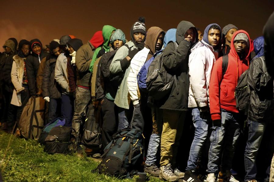 В Кале отказались улучшить условия для беженцев