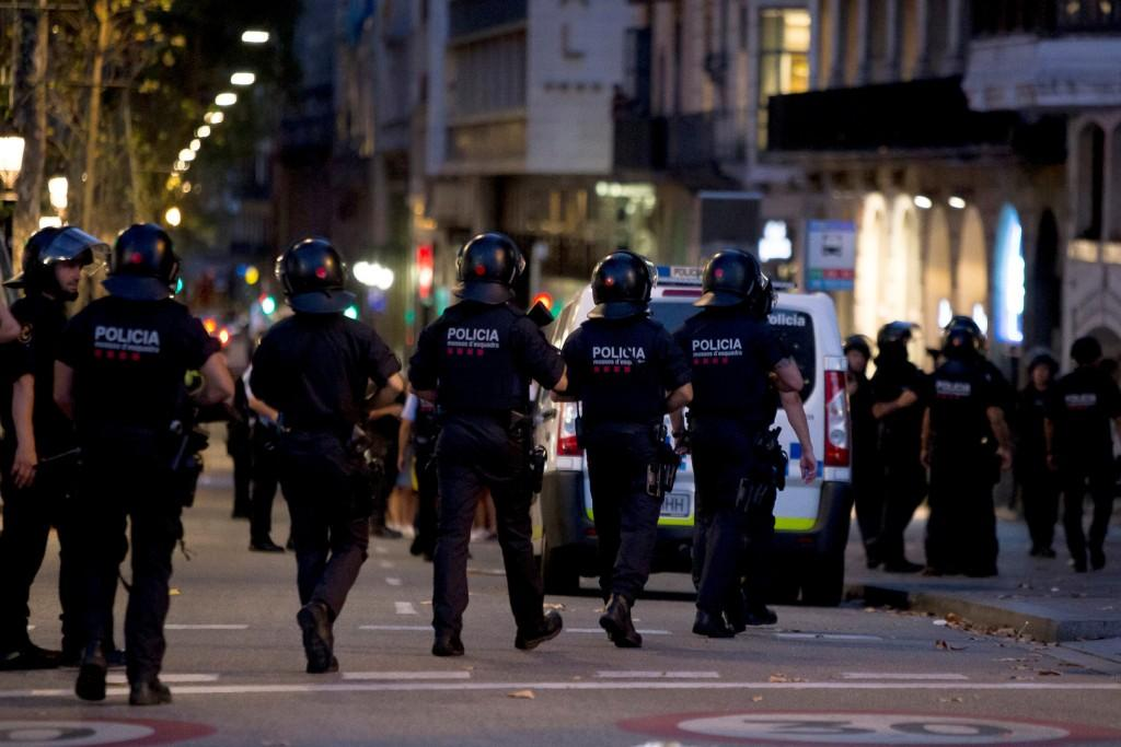 26 французов пострадали в результате теракте в Барселоне
