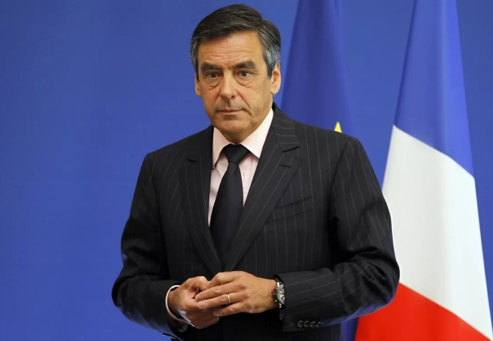 Экс-кандидат в президенты Франции уходит из политики