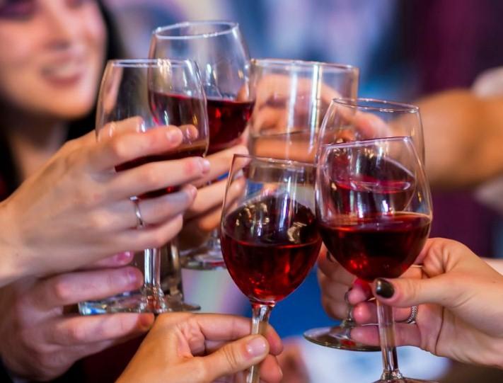 Французы резко сократили траты на алкоголь