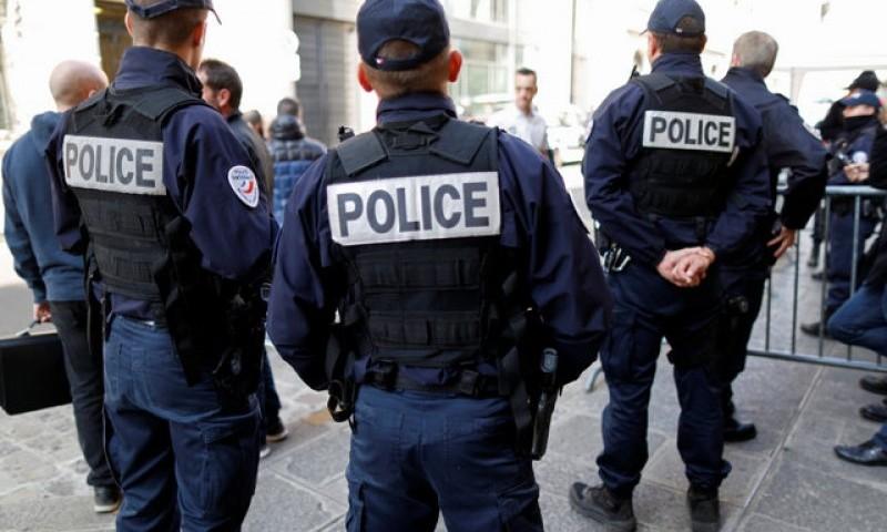 В Тулоне ревнивый полицейский устроил расправу