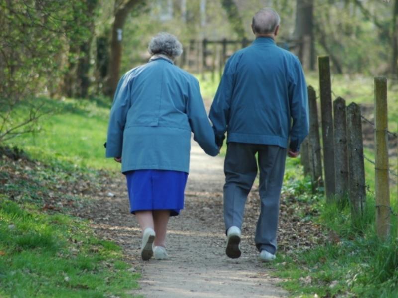 Влюблённый пенсионер сбежал из дома престарелых на свидание