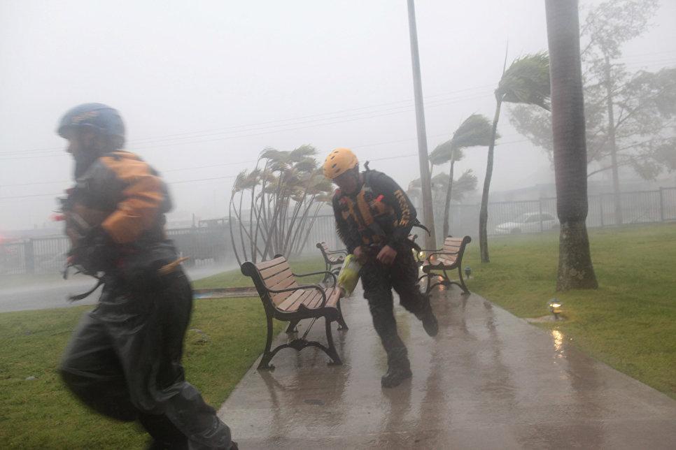 Макрон намерен посетить пострадавший от урагана Сен-Мартен