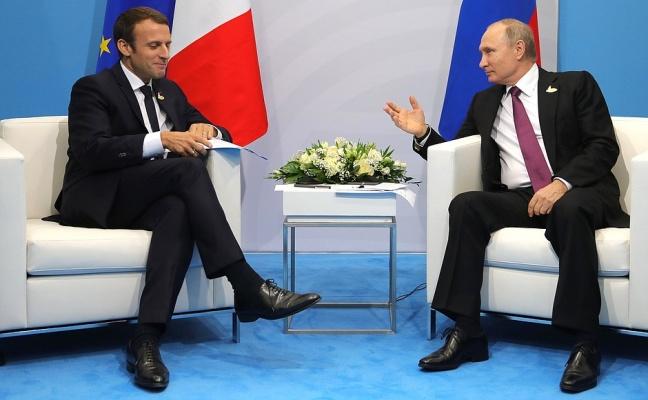 Макрон будет рад посетить Россию