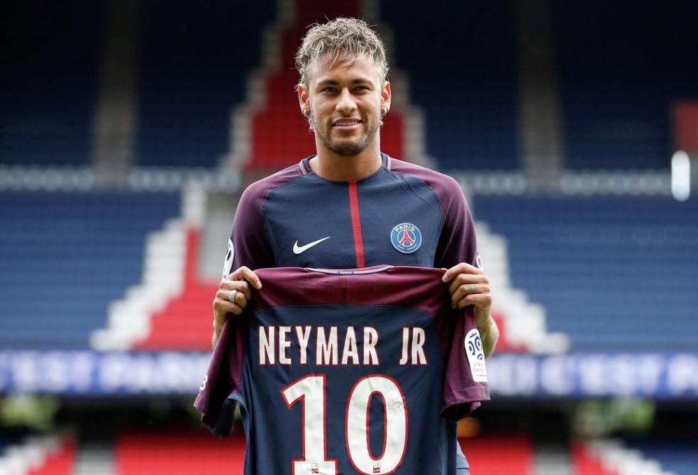 Играть по-честному требуют футбольные клубы Франции