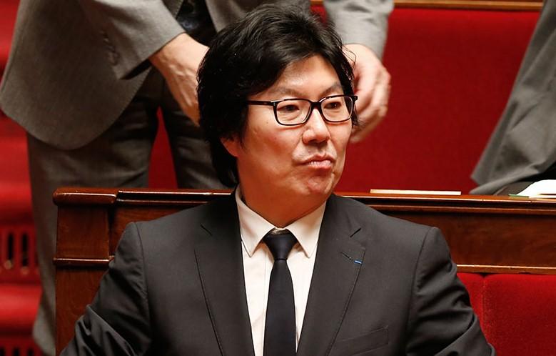В Париже избили экс-госсекретаря Франции