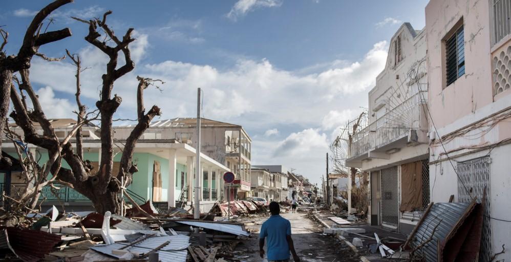 """Власти эвакуируют пострадавших от урагана """"Ирма"""""""