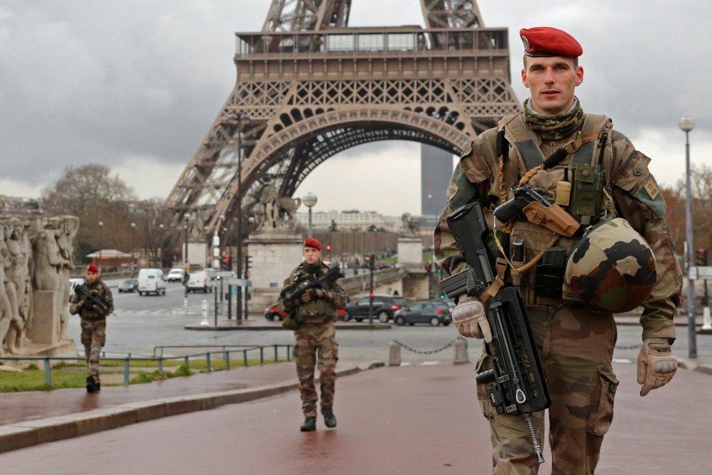 В Генштабе Вооруженных сил Франции провели обыски