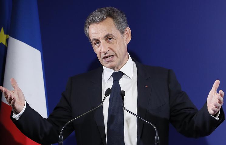 Прокуратура требует осудить экс-президента Франции
