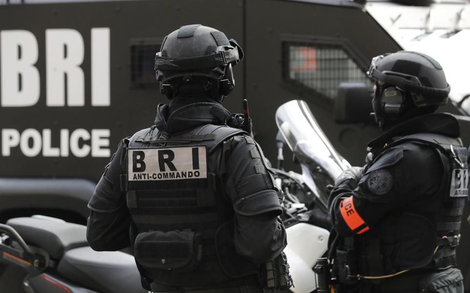 Во Франции полицейский застрелил коллегу