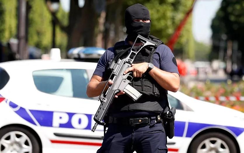 """Полиция предотвратила теракт перед матчем """"ПСЖ"""""""